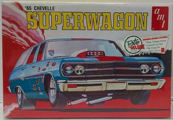 AMT #701 1965 Chevelle Superwagon 1:25 Scale Plastic Model Kit